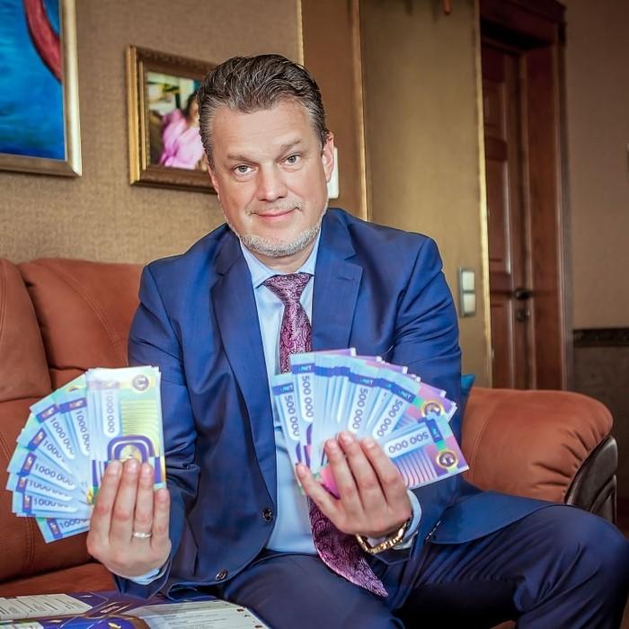 с такими деньгами можно купить всех в Севастополе…