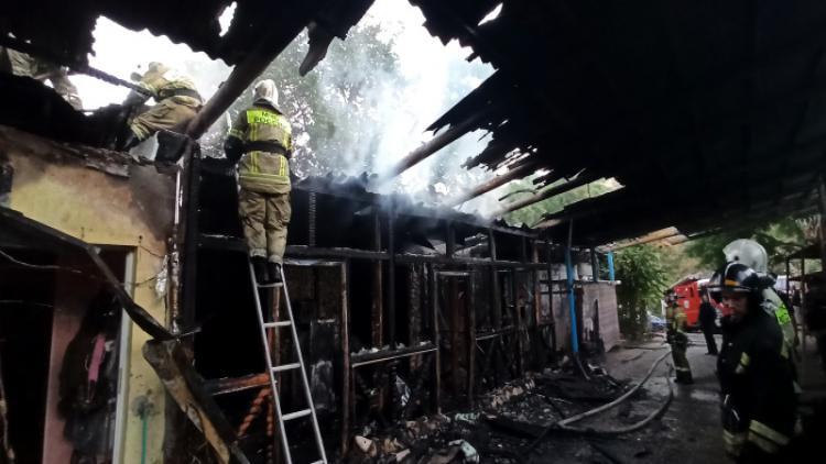 На утреннем пожаре в Севастополе обнаружено тело погибшего