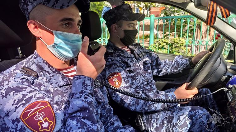 На заправке в Севастополе житель Уфы устроил драку с оператором