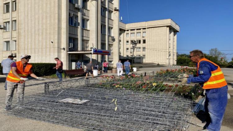 В Севастополе начался капитальный ремонт скверов