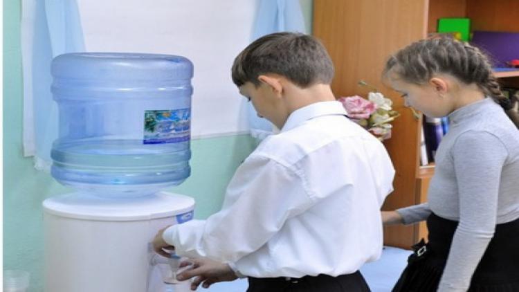 Если в классе нет воды - кто отвечает за соблюдение в севастопольских школах питьевого режима?