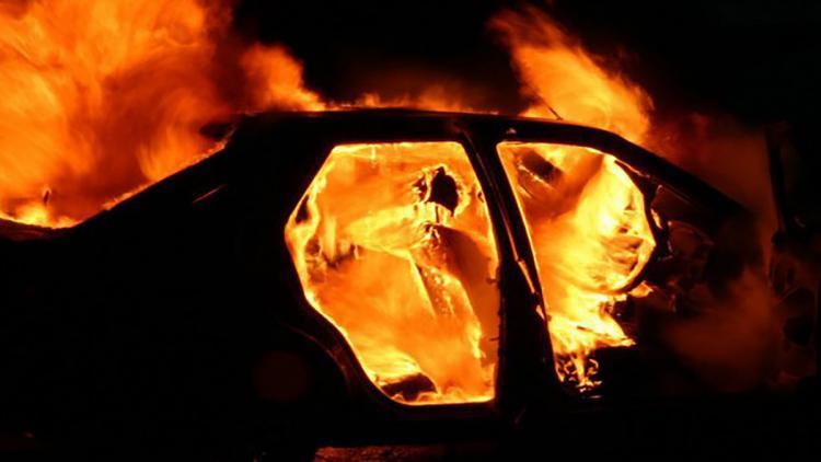 Севастополец поссорился с приятелем и поджег его машину
