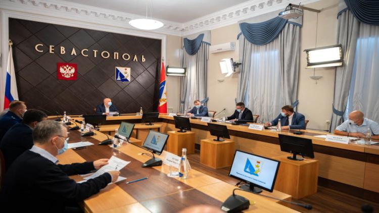 В правительстве Севастополя обсудили ситуацию с проблемными домами