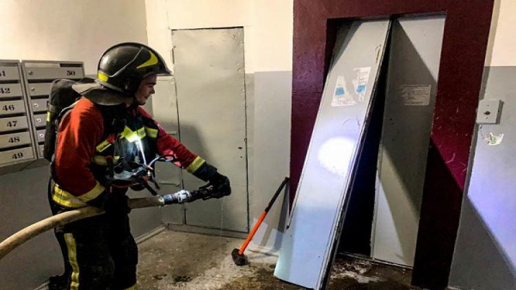 ВСевастополе произошел пожар вшахте лифта жилого дома