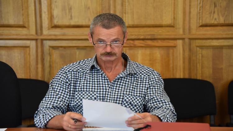Депутат Горелов упорно дистанцируется от борьбы с нарушителями закона