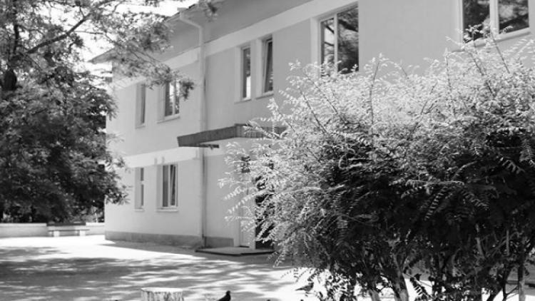 Пациентам инфекционки Севастополя пришлось несколько часов провести в палате с телом умершего мужчины