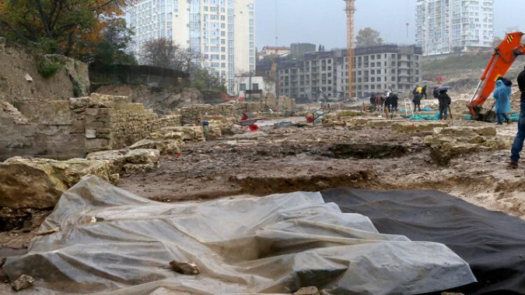 Археологи нашли вцентре Севастополя торговые ряды XIXвека