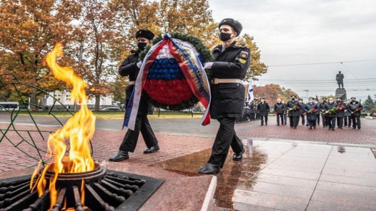 ВДень Неизвестного солдата вСевастополе почтили память погибших бойцов