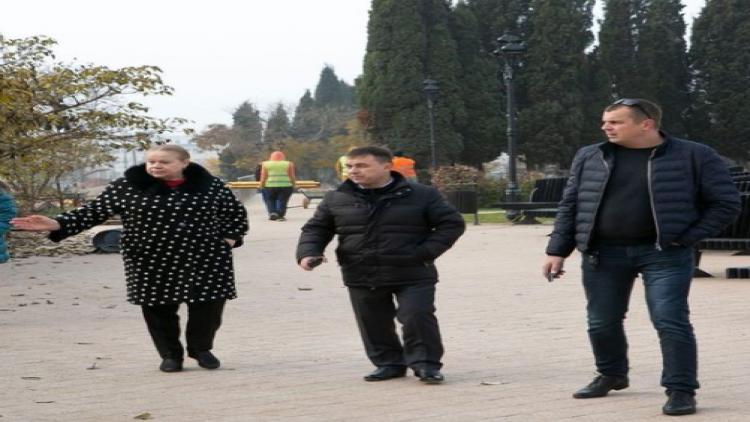 Ремонт площади у Дворца культуры рыбаков в Севастополе подходит к завершению