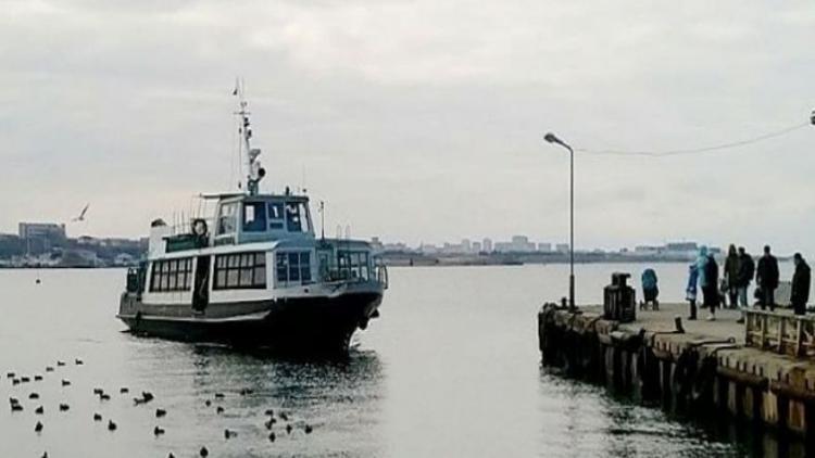 В Севастопольской бухте из-за шторма перекрывали рейд