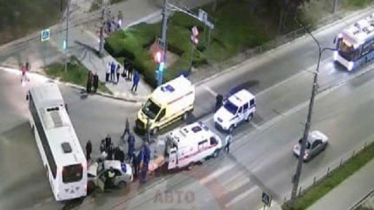 Два человека госпитализированы после ДТП с автобусом в Севастополе